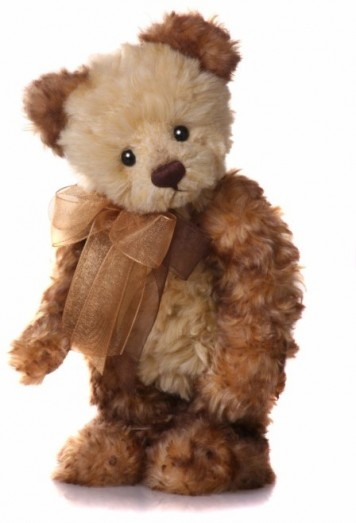 Retired Charlie Bears - EVIE 23CM