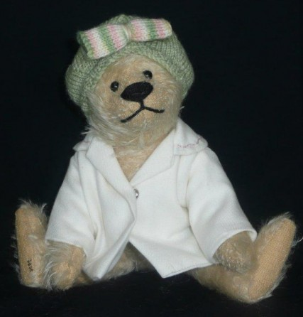 Retired Bears and Animals - LUCY 8""