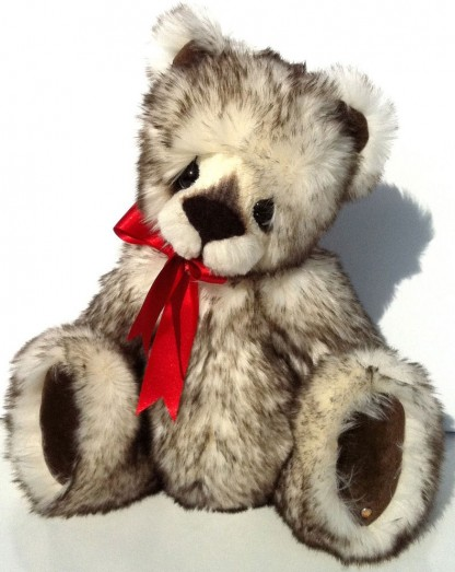 Retired Kaycee Bears - MINCE PIE 38CM