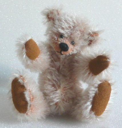 Retired Hardy Bears - LAURIE 12CM